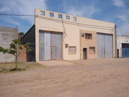 Foto Galpón en Venta en  La Capital ,  Santa Fe  AZCUENAGA al 1000