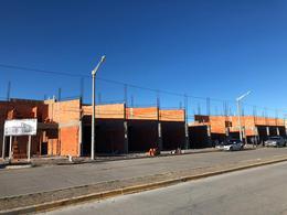Foto Local en Venta en  Trelew ,  Chubut  ûltimos 2 Locales al Pozo, Avenida Musters a metros de Michael Jones