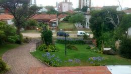 Foto Casa en Venta en  Villa Gesell ,  Costa Atlantica  Casa a 1 cuadra del mar - Villa Gesell