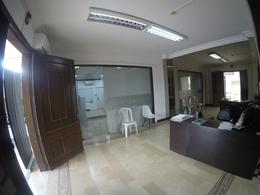 Foto Casa en Venta en  Norte de Guayaquil,  Guayaquil  EN VENTA DE AMPLIA VILLA  ESQUINERA EN URDESA
