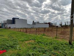 Foto Terreno en Venta en  La Plata ,  G.B.A. Zona Sur  al 100