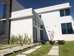 Foto Casa en Venta en  Fraccionamiento Lomas de  Angelópolis,  San Andrés Cholula  Casa en Venta, Atlixco No.43, Clúster Puebla Blanca, cerca a Sonata, Lomas de Angelópolis II