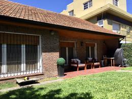 Foto Casa en Venta en  Acas.-Vias/Libert.,  Acassuso  Peru al 400
