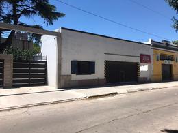 Foto Local en Alquiler en  Ezeiza ,  G.B.A. Zona Sur  Ezeiza - Liniers al 300