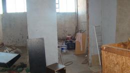 Foto Local en Venta en  Lomas de Zamora Oeste,  Lomas De Zamora  Av. H. YRIGOYEN al 11065