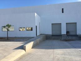 Foto Bodega Industrial en Renta en  Pueblo Tixcacal Opichen,  Mérida  Bodega Industrial con 2 andenes de descarga propios, 63 m² de oficinas, 2 baños, acceso por el Periférico Poniente