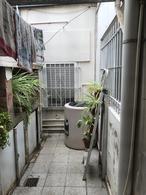 Foto Casa en Venta en  Villa Elvira,  La Plata  12 e/ 75 y 76 al 2100