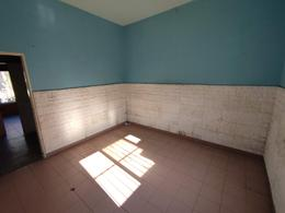 Foto Casa en Venta en  Moron Sur,  Moron  Lanus al 2400