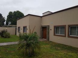 Foto Casa en Venta en  Zelaya,  Pilar  Arroyo 1136