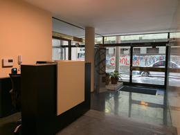 Foto Apartamento en Venta   Alquiler en  Centro (Montevideo),  Montevideo  Centro (Montevideo)