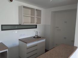 Foto Apartamento en Venta en  Tres Cruces ,  Montevideo  Apartamento 1 dormitorio con gran fondo a metros de Universidad Católica del Uruguay