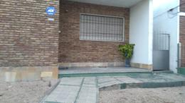 Foto Casa en Venta en  Peréz Castellanos ,  Montevideo  CASA EN Gral Flores y Serrato - 3 Dorm