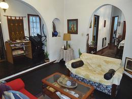 Foto Casa en Venta en  La Lucila-Vias/Maipu,  La Lucila  Rioja al 3500