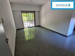 Foto Departamento en Venta en  Pichincha,  Rosario  Departamento 2 Dormitorios al Frente Primer Piso por Escalera