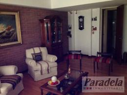 Foto thumbnail Casa en Venta en  Castelar,  Moron  Sarmiento 2400