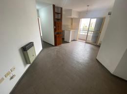 Foto Departamento en Alquiler en  Alberdi,  Cordoba Capital  Av. Santa Fe al 400
