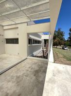 Foto Casa en Alquiler en  Abril Club De Campo,  Countries/B.Cerrado (Berazategui)  Casa equipada en alquiler-Country Abril- La Reja