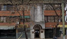 Foto Oficina en Alquiler en  Lomas de Zamora Oeste,  Lomas De Zamora  Alvear 123 1piso al frente
