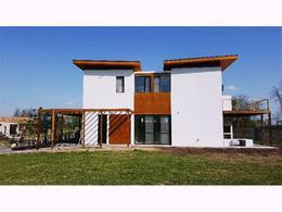 Foto Casa en Venta en  Estancias Del Pilar,  Countries/B.Cerrado (Pilar)  Panamericana Ruta 8 Km  40