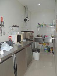 Foto Local en Venta en  Crucesita,  Avellaneda  Av. Bartolome Mitre al 2900