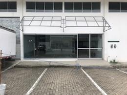 Foto Bodega Industrial en Renta en  Santa Ana ,  San José  Bodega con oficina/ sala de reuniones/ 6 parqueos