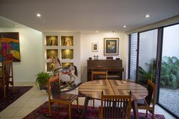 Foto Casa en condominio en Venta en  Escazu ,  San José  Casa en Escazú con céntrica ubicación