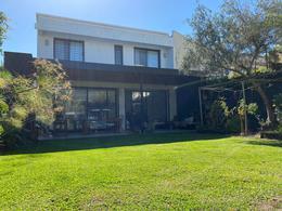 Foto Casa en Alquiler temporario en  Las Lomas-Jockey,  Las Lomas de San Isidro  San José al 600