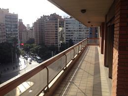 Foto Departamento en Venta en  Nueva Cordoba,  Capital  Piso de categoría en HIPOLITO YRIGOYEN