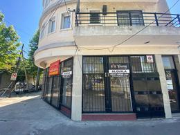 Foto Local en Alquiler en  Villa Dominico,  Avellaneda  Mitre y San Vicente - LOCAL
