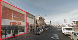 Foto Local en Alquiler en  Mart.-Vias/Santa Fe,  Martinez  Av. Santa Fe al 1800