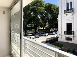 Foto Oficina en Venta en  Cordón ,  Montevideo  Br. Artigas frente a La Española