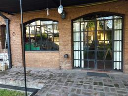 Foto Casa en Venta en  Adrogue,  Almirante Brown  Obligado 1348