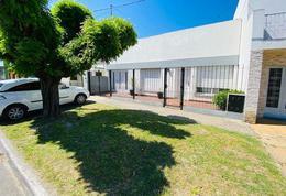 Foto Casa en Venta en  Ringuelet,  La Plata  3 Entre 518 y 519