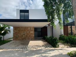 Foto Casa en Renta en  Santa Gertrudis Copo,  Mérida  En renta residencia en privada cerca de La Isla, en inmejorable zona del norte de Mérida.