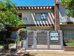 Foto Casa en Venta en  Mart.-Vias/Santa Fe,  Martinez  Arenales al 2200
