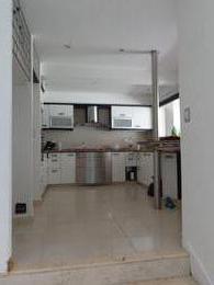 Foto Edificio Comercial en Venta en  Avellaneda,  Avellaneda  Av Belgrano 2700