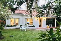 Foto Casa en Venta en  Playa Mansa,  Punta del Este  Playa Mansa cerca a  Avenida Roosevelt . Casa en venta Oportunidiad
