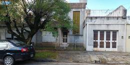 Foto thumbnail Casa en Venta en  Castelar Norte,  Castelar  Zapiola al 2200