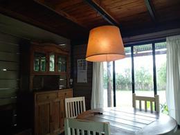 Foto Casa en Venta | Alquiler temporario en  La Bota,  Ingeniero Maschwitz  VENTA | ENCANTADORA CASA de MADERA, JARDIN y PILETA