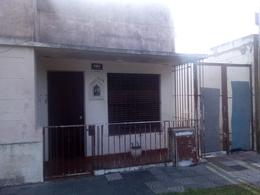 Foto Casa en Venta en  Ringuelet,  La Plata  513 entre 4 y 5