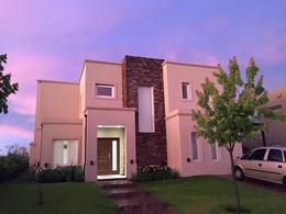 Foto Casa en Alquiler   Alquiler temporario en  Las Tipas,  Nordelta  Tipas, Nordelta