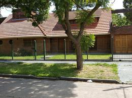Foto thumbnail Casa en Venta en  Adrogue,  Almirante Brown  LOS PLATANOS 1633, Entre Av. Espora y Comodoro Py