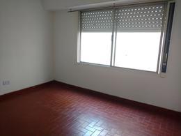 Foto Departamento en Venta | Alquiler en  Banfield,  Lomas De Zamora  GASCON  176