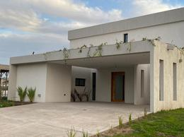 Foto Casa en Venta en  Canning,  Canning (Ezeiza)  santa rita