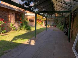 Foto Casa en Venta en  Villa Sarmiento,  Moron  MARMOL al 200