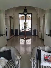 Foto Casa en Venta en  Av. Peron ,  Yerba Buena  country Jockey