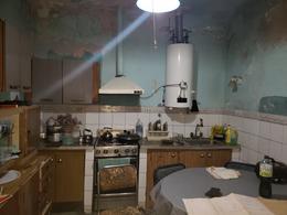 Foto Casa en Venta en  Lomas de Zamora Oeste,  Lomas De Zamora  Iparraguirre al al 600