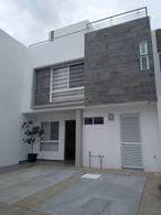 Foto Casa en Renta en  Fraccionamiento Lomas de  Angelópolis,  San Andrés Cholula  Renta casa en Natura II, tres recámaras, tres niveles, alberca.