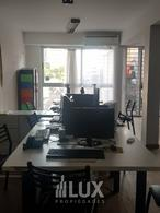 Venta Oficina ALQUILADA 120 m2  9 de Julio y Moreno  - Centro
