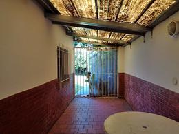 Foto Casa en Venta en  Boulogne,  San Isidro  Darragueira al 2300